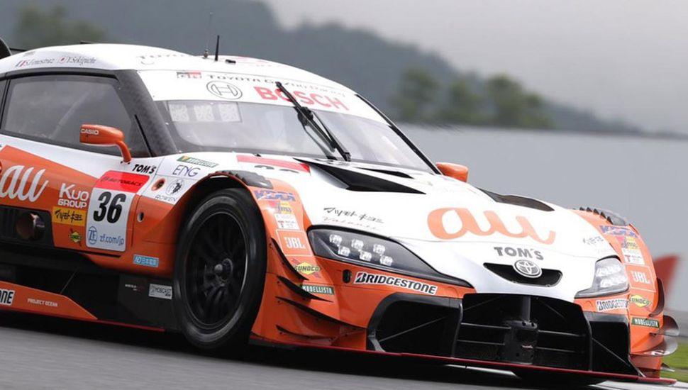 Sacha Fenestraz subió al podio en Fuji.