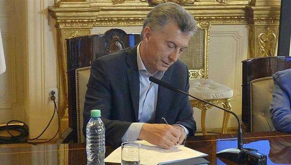 Tras el veto a la ley de tarifas, Macri calificó a la oposición de irresponsable