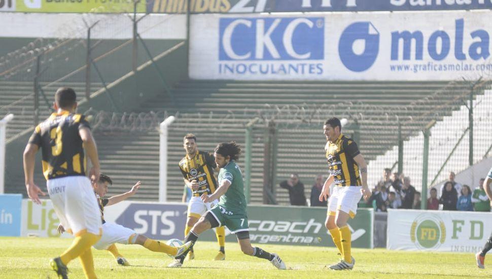 Sarmiento empató sin goles frente Santamarina