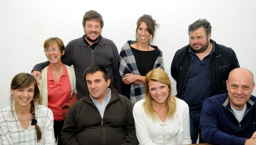 Unidad Ciudadana. Parados, de izquierda a derecha, Olga Prieto, Rodolfo Bertone, Victoria Muffarotto y Lautaro Mazzutti; sentados, Rocío Giaccone, José Bruzzone, Maia Leiva y Gustavo Traverso.