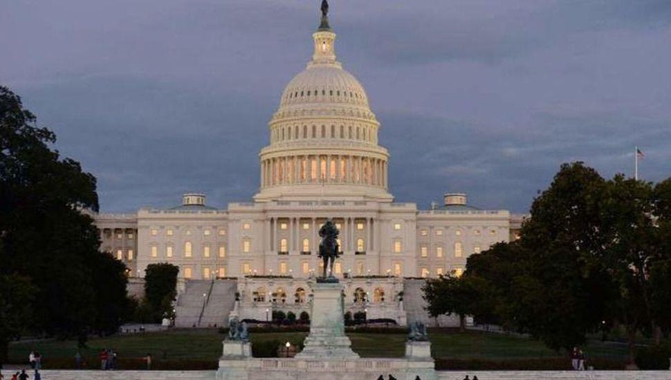 EE.UU. emite deuda récord por 3 billones de dólares