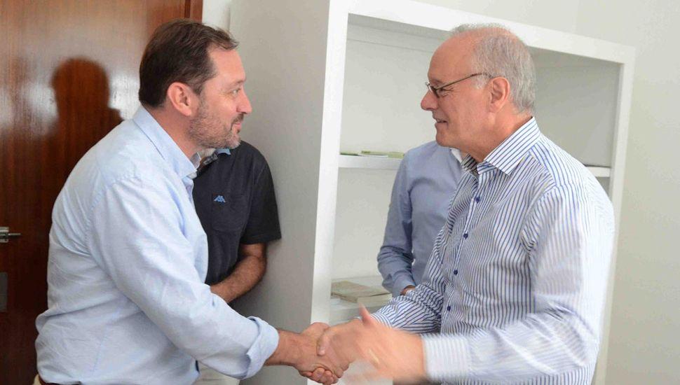 El intendente Serenal y el ministro Gollan.