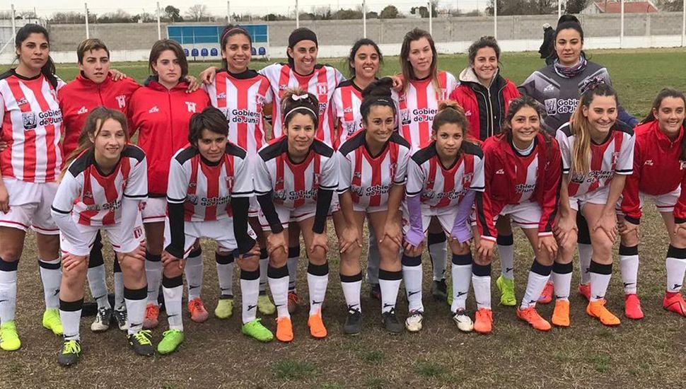La selección femenina de la Liga Deportiva del Oeste volvió a ganar y avanza.