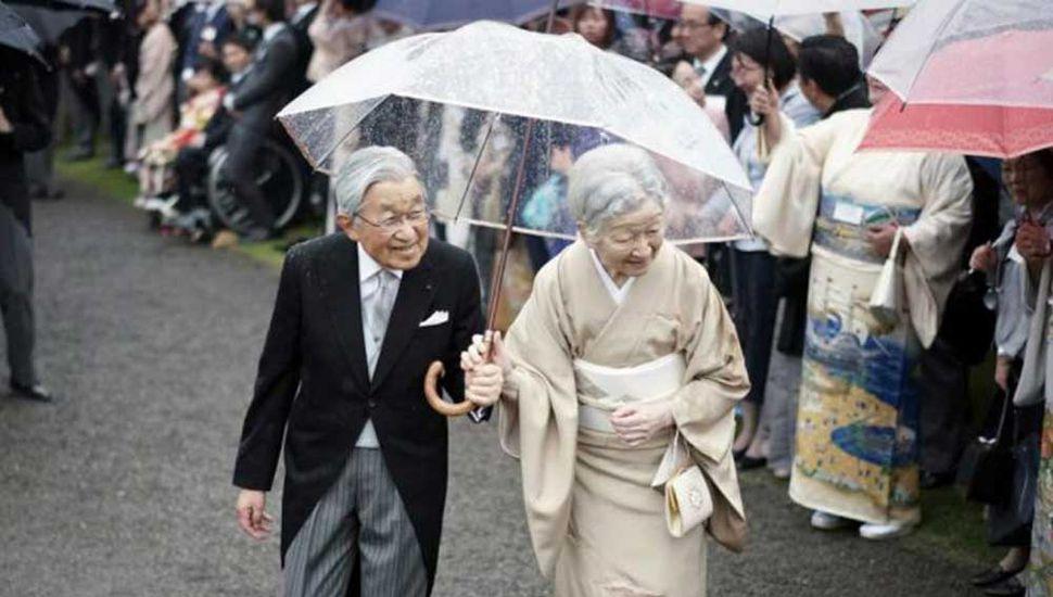 Abdicará hoy el  emperador de Japón