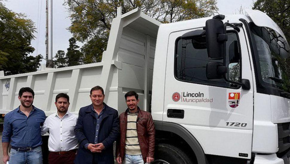 Lincoln incorporó un camión para la recolección de residuos reciclables