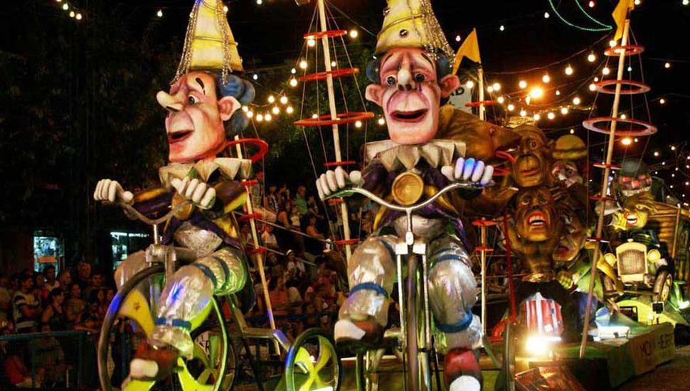 Lincoln es la Capital Nacional del Carnaval Artesanal.