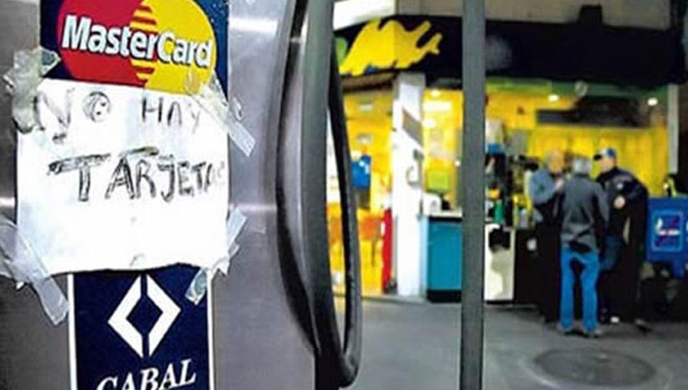 Suspenden las tarjetas de crédito en estaciones de servicio independientes