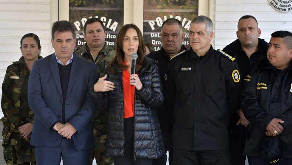 Junto al ministrio Ritondo, La Gobernadora encabezó el acto de ayer.