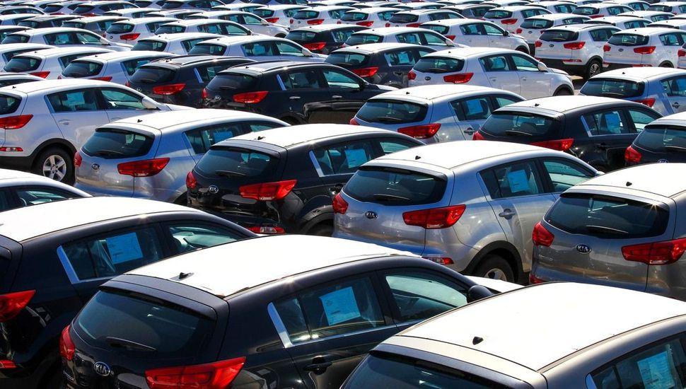 La producción nacional de automotores descendió 33,9%