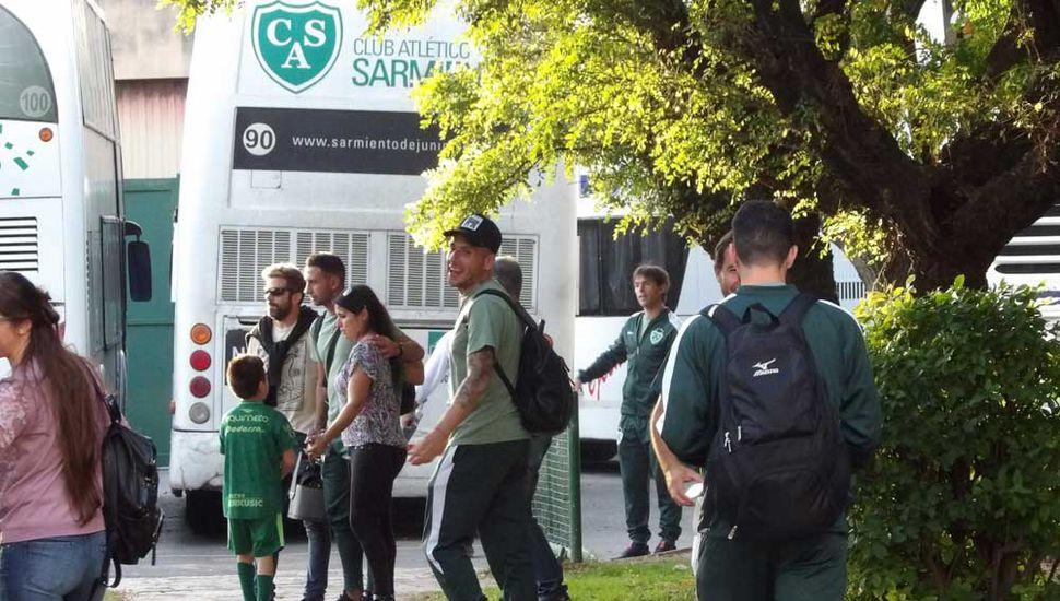 Muestras de cariño para los jugadores del Verde.