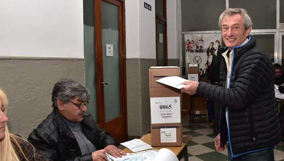 """Santimaría: """"Votemos todos en paz"""""""