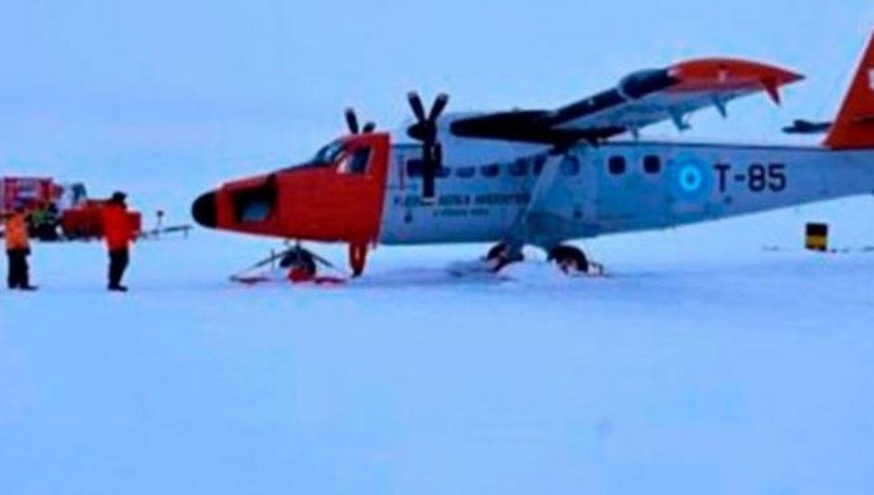 Un avión de la Fuerza Aérea tuvo que aterrizar de emergencia en la Antártida