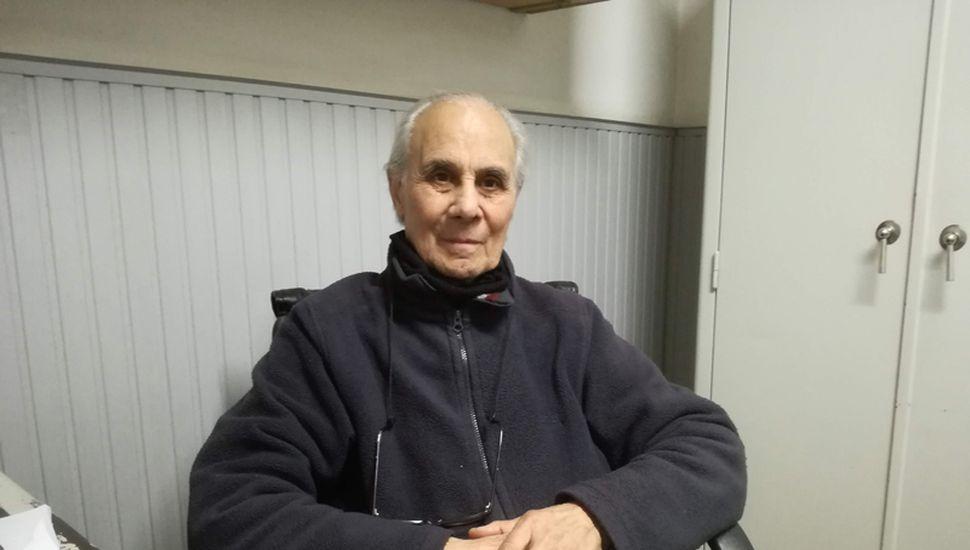 Amado Abdala lleva 65 años de trayectoria comercial en su casa de sanitarios, que empezó como un corralón.