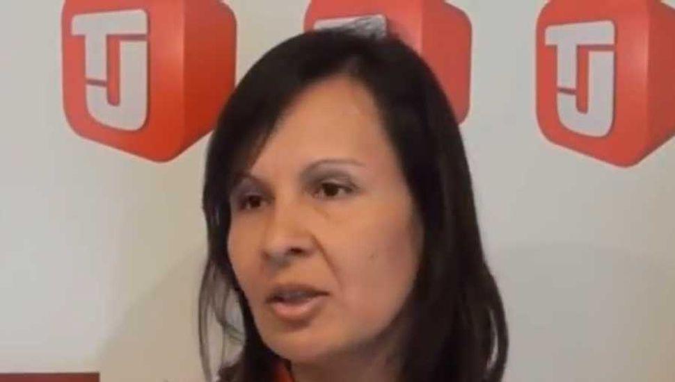 Susana, mamá de Agustín, quien culminó su recuperación y ,hoy, colabora.