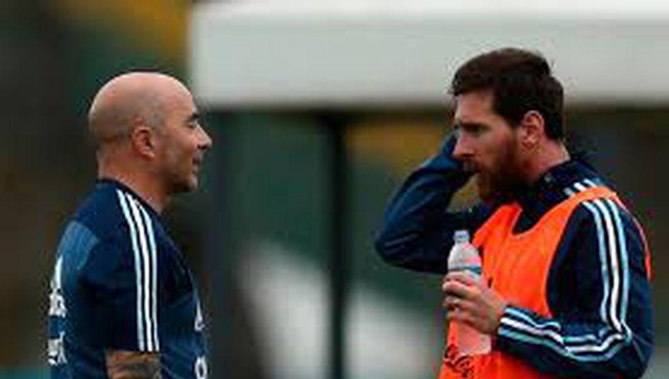 Reunión de una hora entre Messi y Jorge  Sampaoli