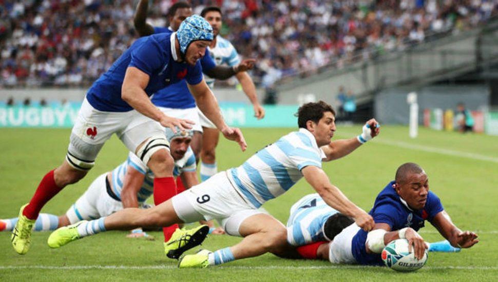 Argentina pagó caro sus errores, cayó ante Francia y se complicó la clasificación