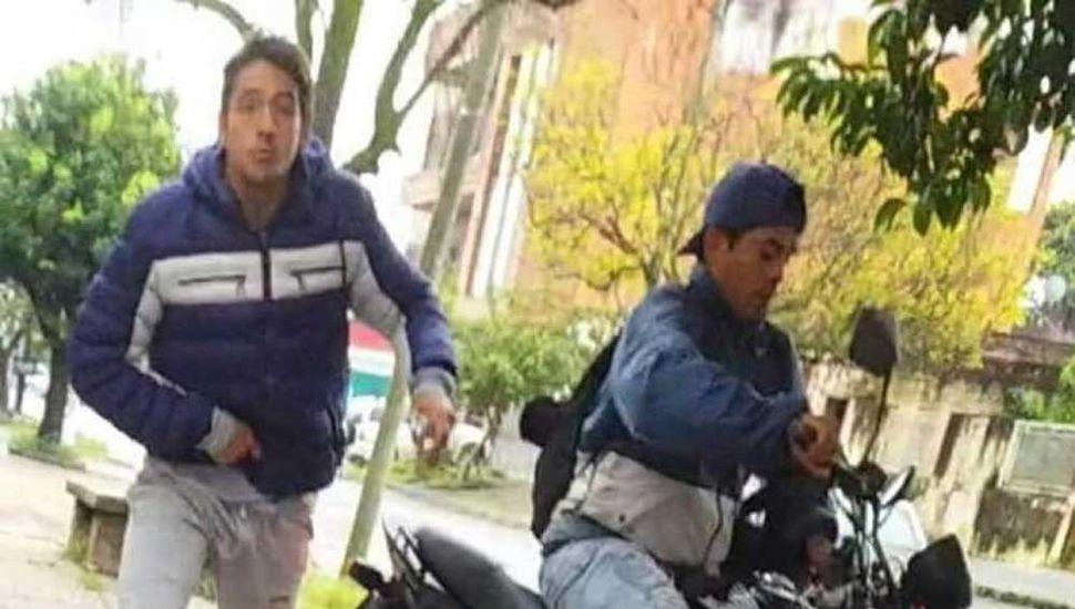 Grababa un video y  fue sorprendida por  violentos motochorros