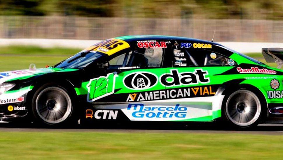 Franco De Benedictis fue el piloto titular del Mercedes Benz que estuvo al tope del ensayo del Top Race Series.