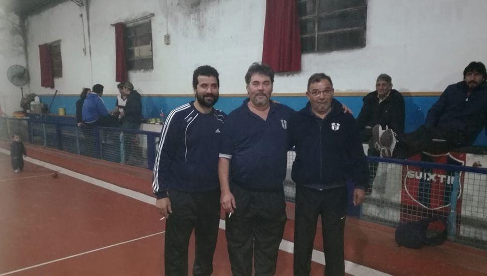 Amílcar Juárez, Omar Pérez y Miguel Policritti (derecha) representarán a nuestra ciudad en el zonal a disputarse en Junín.