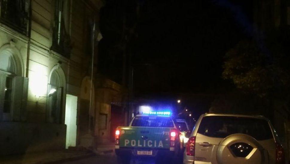 Amenazó con incendiar la Comisaría y roció con nafta a agentes policiales