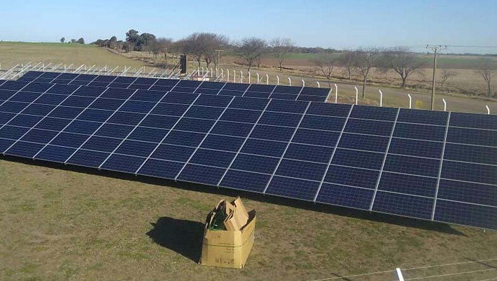 Ya se están montando los paneles fotovoltaicos.
