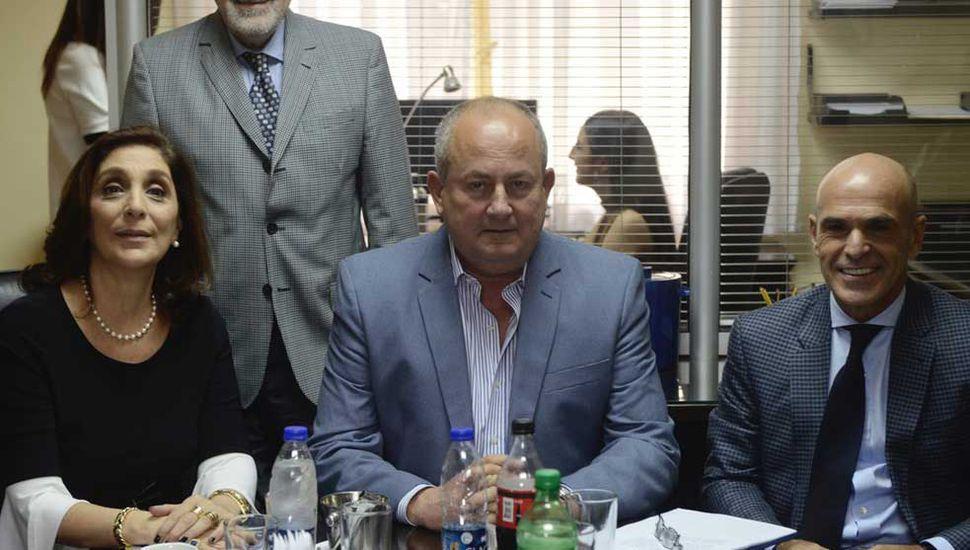 Revelan que jefes de la AFI visitaron al juez Carzoglio por la causa de Moyano