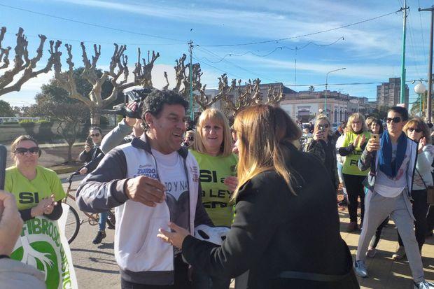 Fibrosis quística: la emotiva visita de Luis Atilio Garay a General Arenales