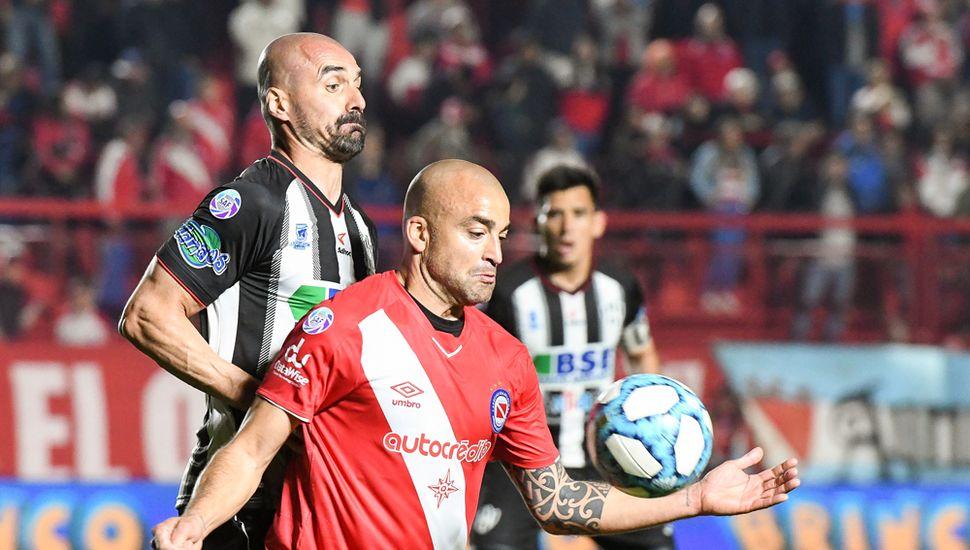 Santiago Silva, autor de uno de los goles.