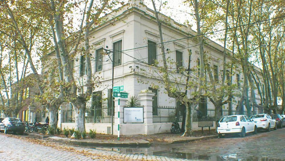 """Edificio """"Eva Perón""""."""