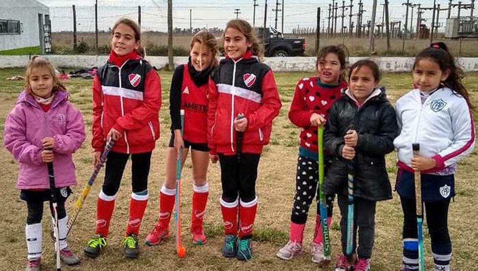 Juveniles jugadoras que participaron del encuentro realizado en Germania.