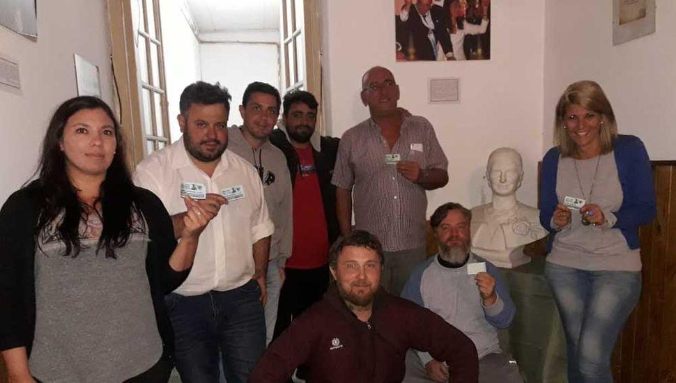 El PJ se reunió con los integrantes de la agrupación que restituirá la escultura.