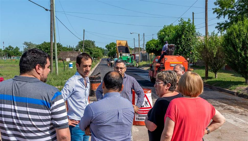 Recorrieron las obras de asfalto en José Hernández