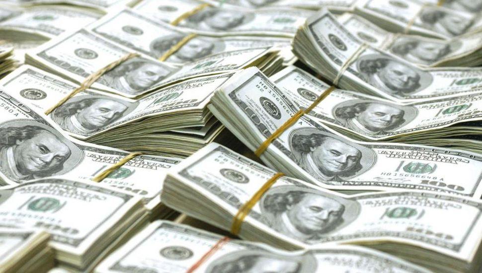El dólar superó los $ 21, pero con alza de tasa y venta oficial cerró a $20,90