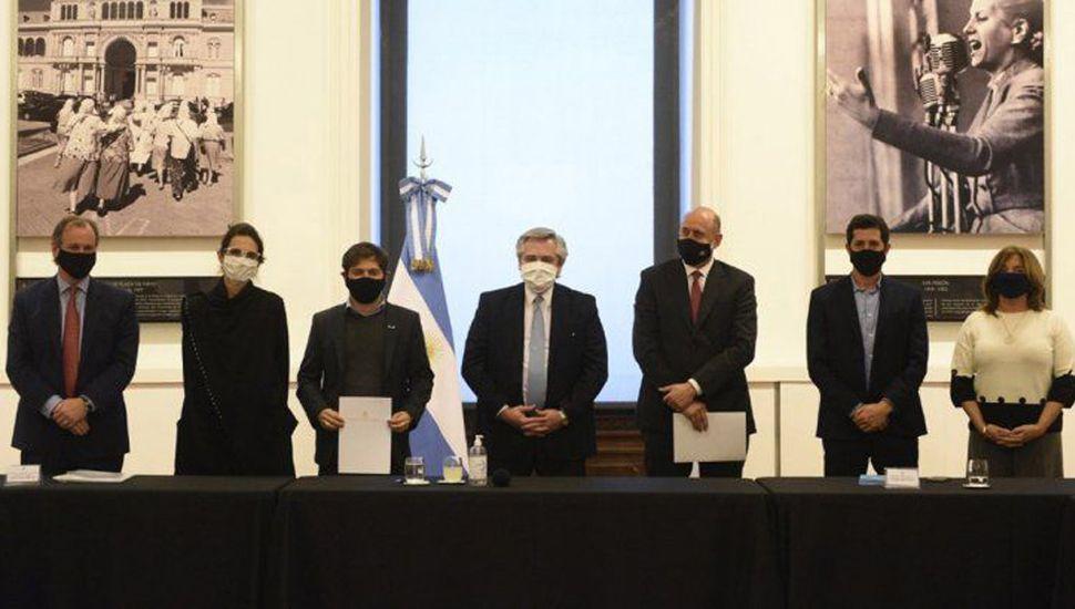 Alberto firmó acuerdos para obras junto con gobernadores