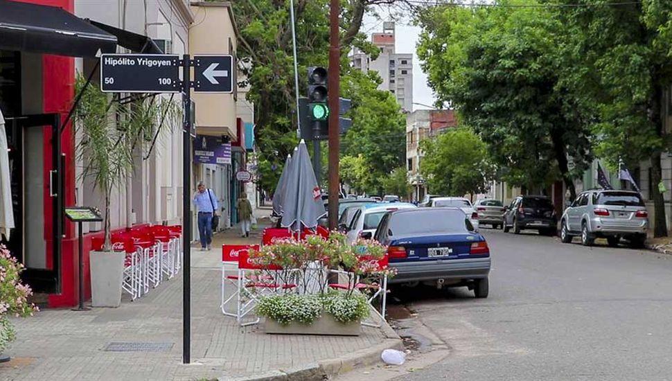 El municipio avanza con la colocación de semáforos en la zona céntrica.