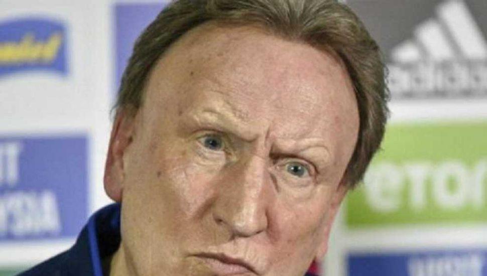 Neil Warnock, entrenador del Cardiff City de Gales, equipo en el que no llegó a debutar Emiliano Sala.