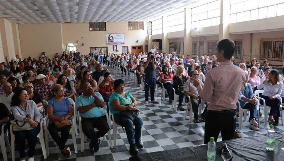 El intendente Pablo Petrecca encabezó un nuevo acto de entrega y firmas de escrituras.