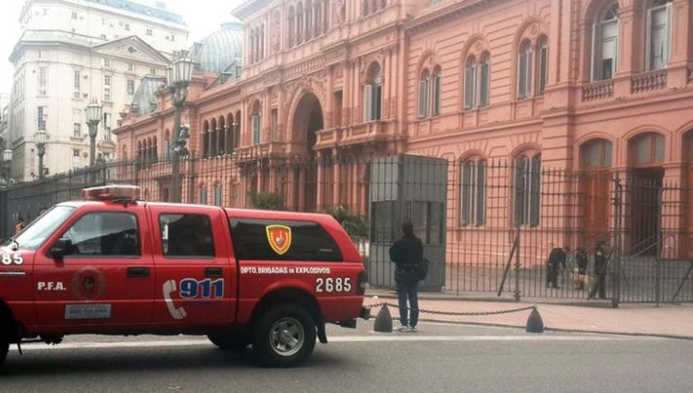 Evacuaron la Casa Rosada y el anexo de Diputados por amenazas de bomba
