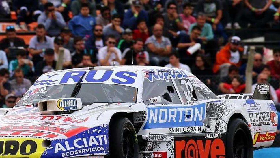 La Dodge de Federico Pérez, piloto juninense que aspira a tener un buen fin de semana en Rafaela, donde se correrá  la prueba de los dos millones de pesos del Turismo Carretera.