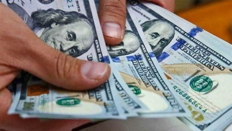 El dólar ahorro sigue sin venderse pero igual sube de precio