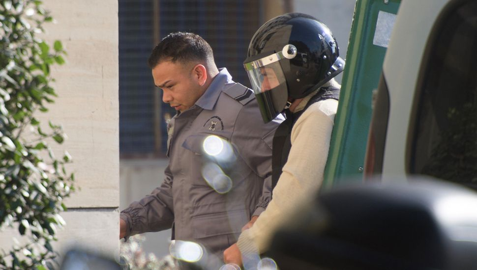 José López llegó custodiado para contar de quién era el dinero ante el fiscal Stornelli y el juez Bonadio.