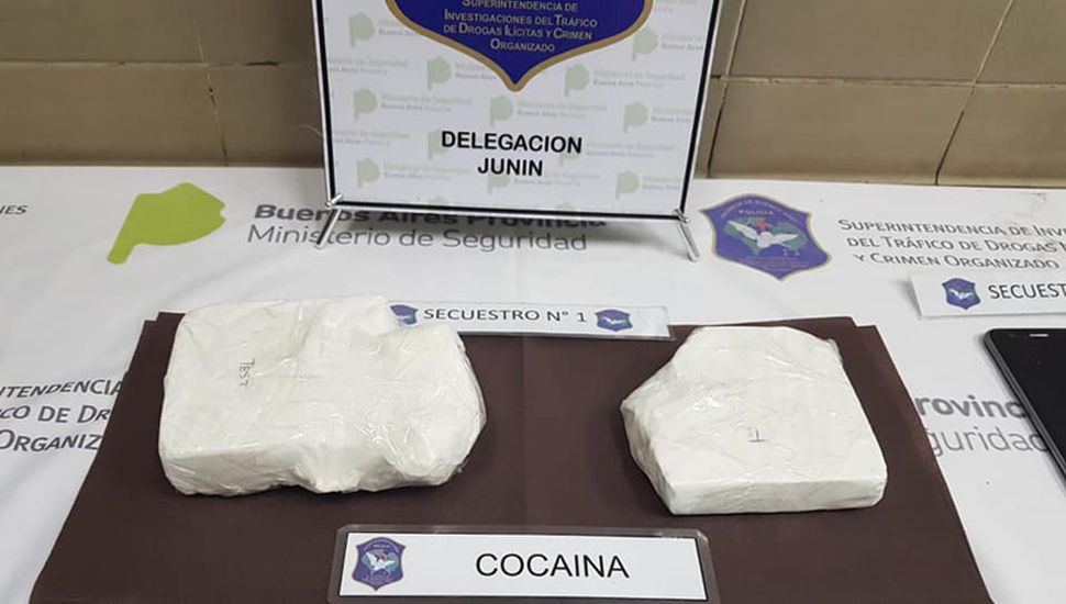 Más de un kilo de cocaína traían en cada viaje.