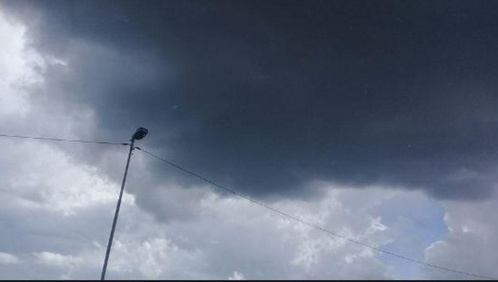 Después del clima primaveral ¿llega la tormenta de Santa Rosa?