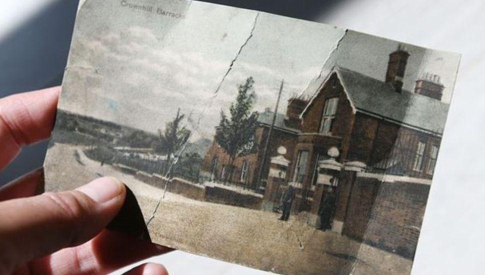 Halló en su buzón una postal enviada hace 112 años