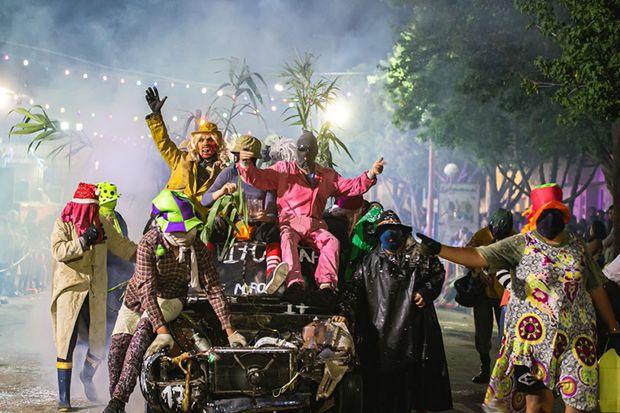 Roberts y Bayauca, a puro carnaval
