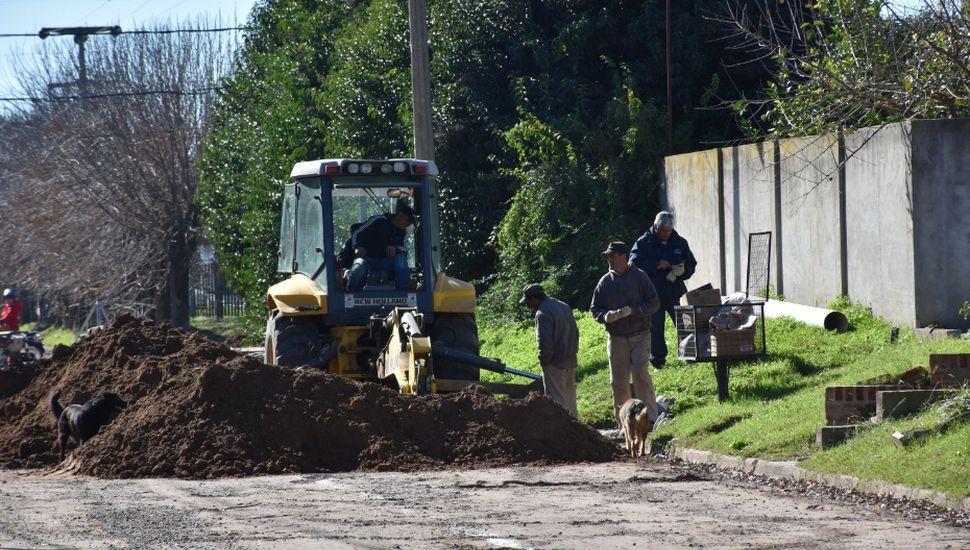 Comenzó la obra de ampliación del colector de calle Chacabuco