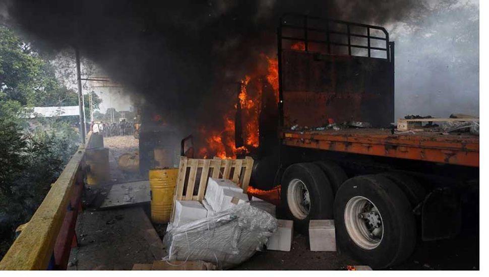 Suspendieron entrega de ayuda humanitaria tras la represión de Maduro