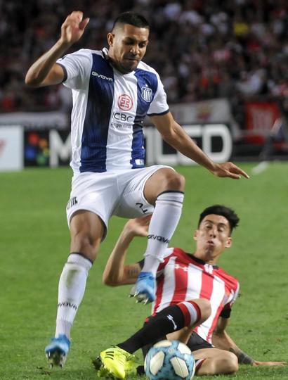 Estudiantes de La Plata venció 1 a 0 a Talleres de Córdoba y sigue con la buena racha.