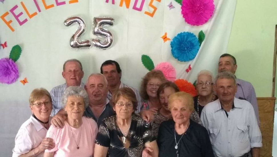 Integrantes de la comisión del Centro de Jubilados de Tiburcio.