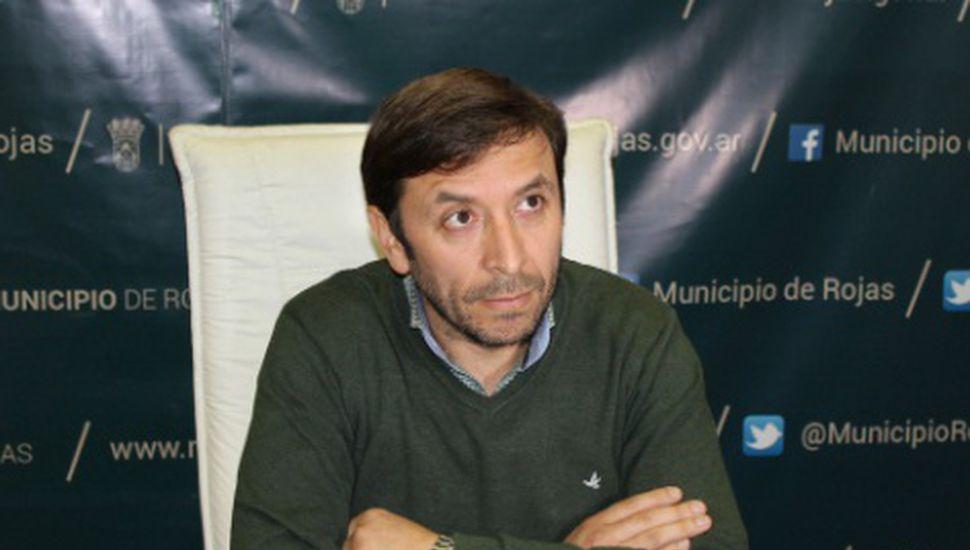 Rossi respaldó a Nuñez y certificó que no tiene antecedentes penales